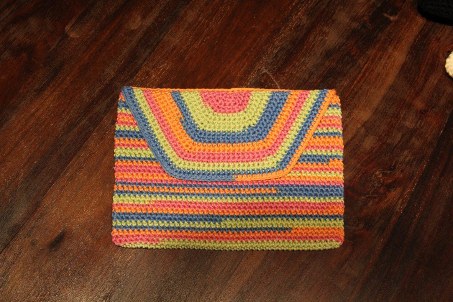 Gratis haakpatroon tablethoes